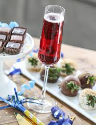 kir royale cassis black currant liquer champagne cocktail u2026 flickr