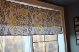 Making A Window Valance Our Life In A Click Simple No Sew Valance From A Tablecloth