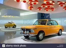 siege bulle bmw 2002 ti voiture et voiture bulle à l affiche au musée bmw et