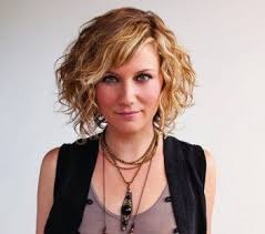 trisha yearwood short shaggy hairstyle 7 best sugar land images on pinterest celebs country musicians