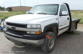 2002 chevrolet silverado 2500hd flatbed pickup truck item