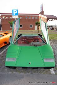 crashed lamborghini countach lamborghini countach crash test wedge shaped cars pinterest