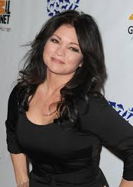 how to get valerie bertinelli current hairstyle more pics of valerie bertinelli long curls 1 of 9 valerie
