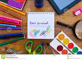 papeterie bureau objets de papeterie bureau et fournitures scolaires sur la table