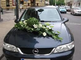 hochzeitsdekoration auto poison blumig kunstvoll hochzeitsblumen
