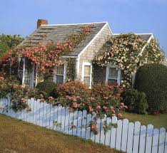 inspiration for a nantucket cape cod cottage type home