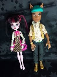 clawd and draculaura high schools out forbitten clawd and draculaura dolls