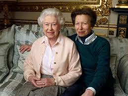 Queen Corgis Amazing Photo Of Queen Elizabeth And Her Corgis