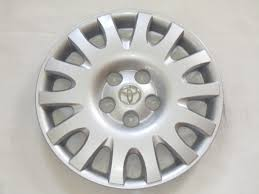 toyota camry hubcaps 2003 camry 02 06 16 hubcap 61116 p n 42621aa090