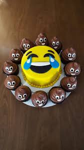 cakes for halloween best 25 cake ideas on pinterest emoji cake emoji