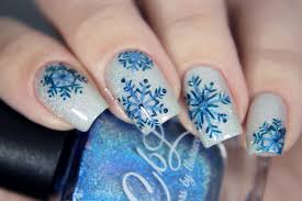nail art winter vibes glitterfingersss in english