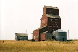 the last grain elevator in wood mountain it dates to the