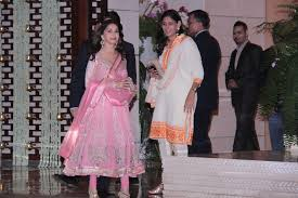rplj ytnsvd madhuri dixit at designers abu sandeep book india