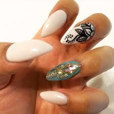 nay u0027s work beautiful almond shape nails w a henna design and
