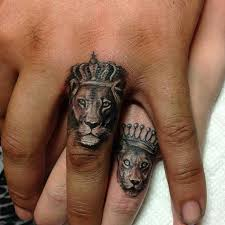 finger tattoo lioness resultado de imagem para tattoo lion hand tattoos and piercings