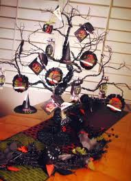 20 cool halloween trees you can make shelterness