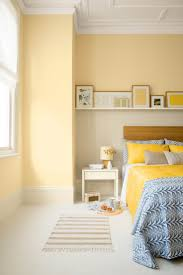 Wall Colors For Bedrooms by Best 25 Yellow Bedrooms Ideas On Pinterest Yellow Room Decor