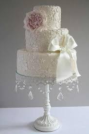 wedding cake plates stunning shabby chic wedding cake upcycle cheap cake plates from