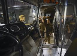 does ups deliver on thanksgiving we u0027re hiring driver helpers for this peak season apply at the ups