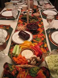 Thanksgiving Dinner Table by American Thanksgiving Studentspeak