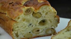 cuisine brousse cake à la brousse aux olives vertes recette par la p tite