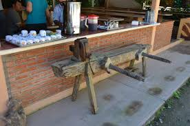 workbenches mexi roman style popular woodworking magazine