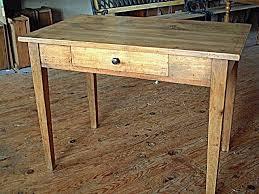 meuble bureau ancien table bureau en hêtre ancienne avec tiroir couleur clair meubles