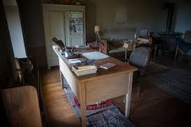 bureau d ecrivain ainsi ses héritiers redonnent vie à ramuz le temps