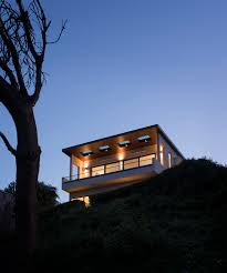 Steep Slope House Plans Built On A Steep Slope And A Narrow Lot This 4000 Square Foot