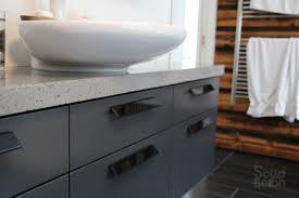 cuisine bois beton surfaces de béton comptoir béton évier lavabo vanité