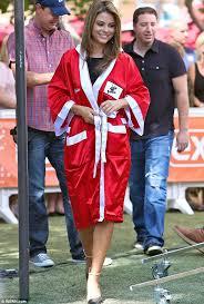 robe mariã e chetre menounos takes on mario as she rocks satin boxing robe
