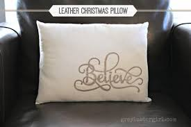 Domain Decorative Christmas Pillows by 17 Easy Last Minute Diy Christmas Decorations Style Motivation