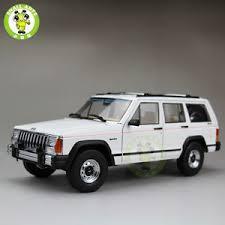 jeep cherokee toy 1 18 jeep cherokee xj diecast alloy suv car model white aurora