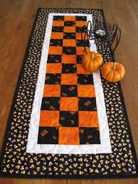 Kitchen Table Runners by Best 20 Table Runners Ideas On Pinterest Patchwork Table Runner