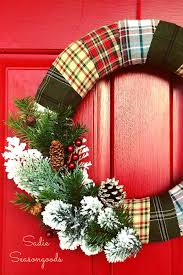 Large Acorn Christmas Decor To Make 50 Diy Christmas Wreath Ideas How To Make Holiday Wreaths Crafts