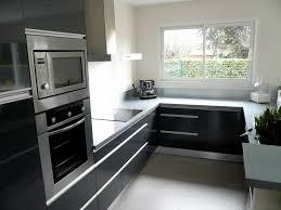 meuble de cuisine noir cuisine équipée noir et gris cuisine en image