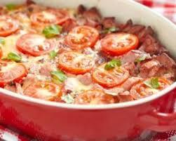 cuisiner des saucisses de strasbourg recette de gratin de blé aux tomates et aux saucisses