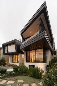 kerala home exterior design photos with landscape design house