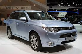 adventure mitsubishi 2017 mitsubishi outlander phev featured in fully charged