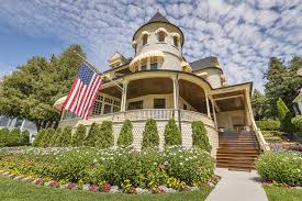 Small Victorian Homes The Mansions Of Mackinac Island Wsj