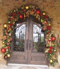 garland ideas commercial wreaths downtown decorations charming