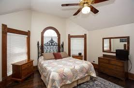 Malibu Bed And Breakfast Brava House In Austin Texas B U0026b Rental