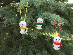 free crochet pattern mini snowman ornament