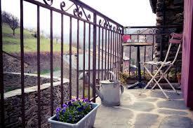 balkon gitter 77 praktische balkon designs coole ideen den balkon originell
