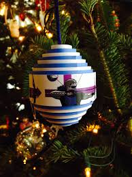 tree ornaments straitened