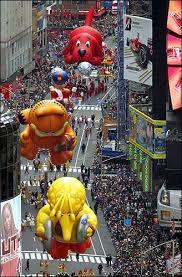 photo big bird garfield and clifford balloons make their way