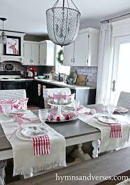 Christmas Dining Room Decorations Best 25 Christmas Dining Rooms Ideas On Pinterest Rustic Round
