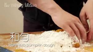 halloween special american pumpkin pie vs chinese pumpkin cake