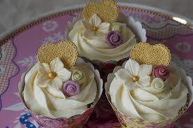 golden wedding cakes 30 amazing anniversary cupcakes