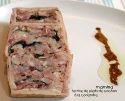 cuisiner pied de porc terrine de pieds de cochon mamina fait dans le canaille et si c